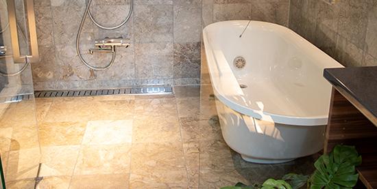 独立した浴槽
